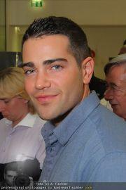 Jesse Metcalfe - Lugner City - Sa 20.08.2011 - 18