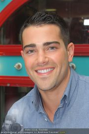 Jesse Metcalfe - Lugner City - Sa 20.08.2011 - 23