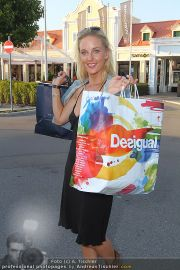 Late Night Shopping - Parndorf - Do 25.08.2011 - 13
