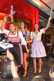 Oktoberfest - Luftburg Prater - Sa 17.09.2011 - 9