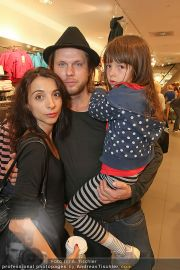 Unicef Charity - H&M - So 25.09.2011 - 15