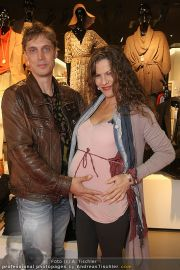 Unicef Charity - H&M - So 25.09.2011 - 29
