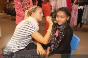 Unicef Charity - H&M - So 25.09.2011 - 38