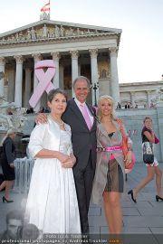 Pink Ribbon - Parlament - Mi 28.09.2011 - 15