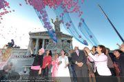 Pink Ribbon - Parlament - Mi 28.09.2011 - 20