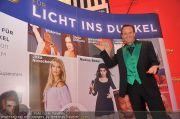 Licht ins Dunkel Gala - Plus City - Fr 28.10.2011 - 75
