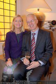 Thonet LiD Charity - Victor Steinwender - Mi 09.11.2011 - 15