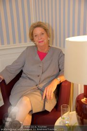 Thonet LiD Charity - Victor Steinwender - Mi 09.11.2011 - 28