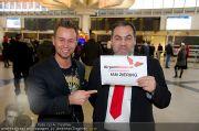 Ian Ziering Ankunft - Flughafen Wien - Fr 09.12.2011 - 1