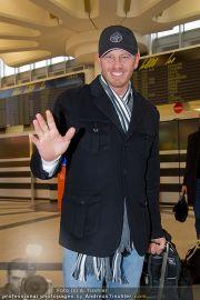 Ian Ziering Ankunft - Flughafen Wien - Fr 09.12.2011 - 2