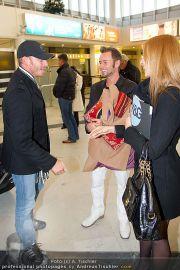 Ian Ziering Ankunft - Flughafen Wien - Fr 09.12.2011 - 3