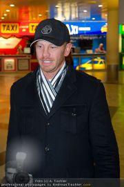 Ian Ziering Ankunft - Flughafen Wien - Fr 09.12.2011 - 7