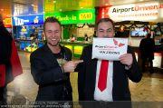 Ian Ziering Ankunft - Flughafen Wien - Fr 09.12.2011 - 8