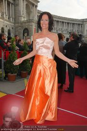 Romy Gala - Red Carpet - Hofburg - Sa 16.04.2011 - 18