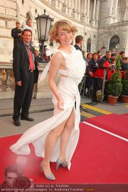 Romy Gala - Red Carpet - Hofburg - Sa 16.04.2011 - 26