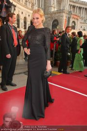 Romy Gala - Red Carpet - Hofburg - Sa 16.04.2011 - 55