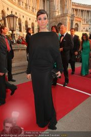 Romy Gala - Red Carpet - Hofburg - Sa 16.04.2011 - 58