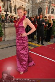 Romy Gala - Red Carpet - Hofburg - Sa 16.04.2011 - 62