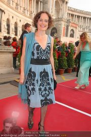 Romy Gala - Red Carpet - Hofburg - Sa 16.04.2011 - 67