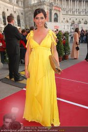 Romy Gala - Red Carpet - Hofburg - Sa 16.04.2011 - 78