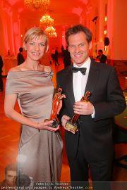 Romy Gala - Awards - Hofburg - Sa 16.04.2011 - 15
