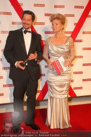 Romy Gala - Awards - Hofburg - Sa 16.04.2011 - 40