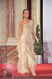 Luxury, please! 2 - Hofburg - Fr 18.11.2011 - 60