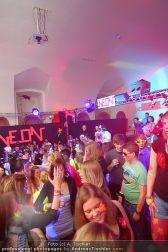 Neon Party - MQ Hofstallung - Sa 12.03.2011 - 36