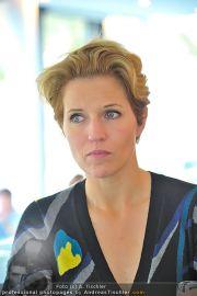 Pressekonferenz - Meierei - Di 10.01.2012 - 24