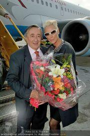 Brigitte Nielsen Ankunft - Flughafen Schwechat - Di 14.02.2012 - 11