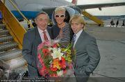 Brigitte Nielsen Ankunft - Flughafen Schwechat - Di 14.02.2012 - 12