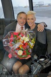Brigitte Nielsen Ankunft - Flughafen Schwechat - Di 14.02.2012 - 17