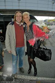 Brigitte Nielsen Ankunft - Flughafen Schwechat - Di 14.02.2012 - 20