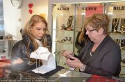 Opernball Shopping - Lugner City - Di 14.02.2012 - 30
