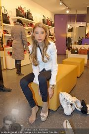 Opernball Shopping - Lugner City - Di 14.02.2012 - 38