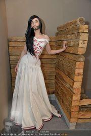 Conchita Wurst Kleid - Tu felix Austria - Di 14.02.2012 - 10