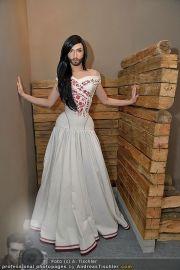 Conchita Wurst Kleid - Tu felix Austria - Di 14.02.2012 - 9