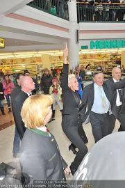Autogrammstunde - Lugner City - Mi 15.02.2012 - 14