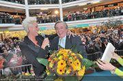 Autogrammstunde - Lugner City - Mi 15.02.2012 - 20