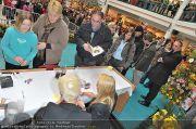 Autogrammstunde - Lugner City - Mi 15.02.2012 - 25
