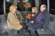 Roger Moore Ankunft - Flughafen - Mi 15.02.2012 - 11