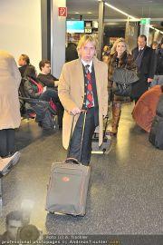 Roger Moore Ankunft - Flughafen - Mi 15.02.2012 - 13