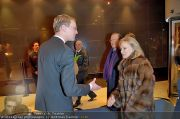 Roger Moore Ankunft - Flughafen - Mi 15.02.2012 - 16