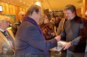 Roger Moore Ankunft - Flughafen - Mi 15.02.2012 - 21