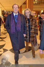 Roger Moore Ankunft - Flughafen - Mi 15.02.2012 - 22