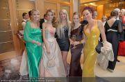 Lugner Fototermin - Hilton Vienna - Do 16.02.2012 - 2