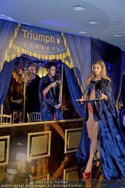 Helena Christensen - Triumph - Do 16.02.2012 - 59