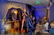 Helena Christensen - Triumph - Do 16.02.2012 - 64