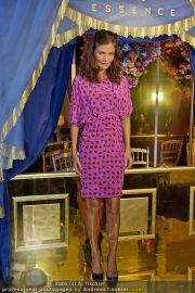 Helena Christensen - Triumph - Do 16.02.2012 - 83