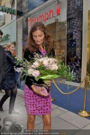 Helena Christensen - Triumph - Do 16.02.2012 - 90